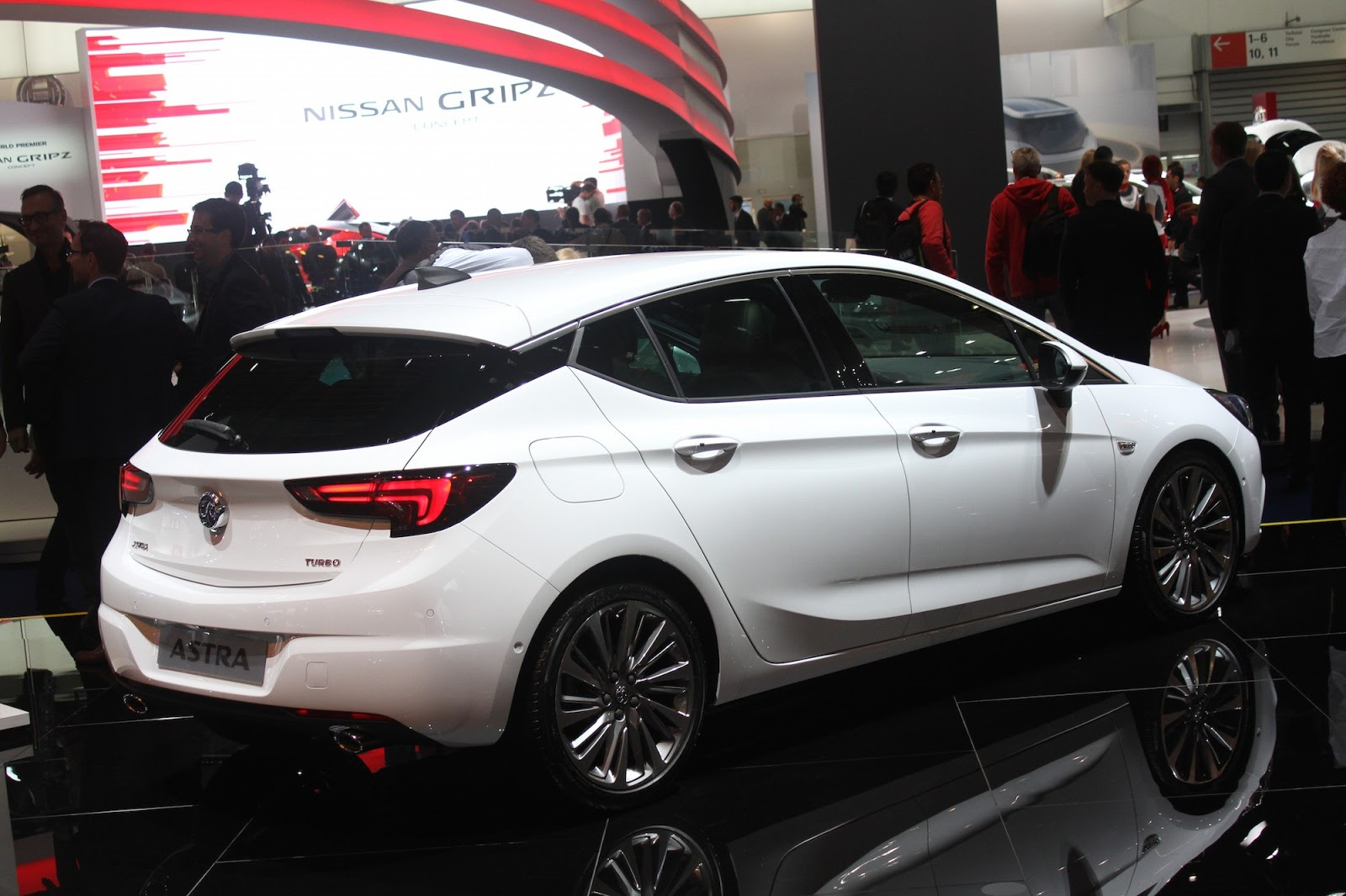 2016 opel astra hb