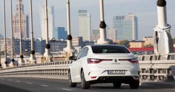 otomobilport-com-tr-renault-megane-sedan-18