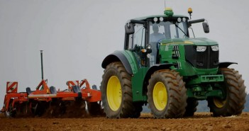otomobilport-com-tr-john-deere-e-traktor-3