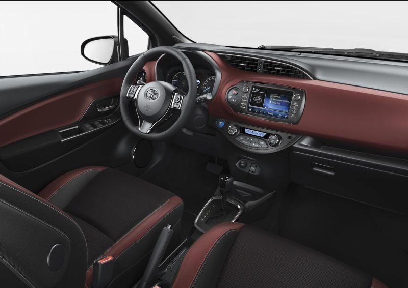 Otomobilport.com.tr.Toyota.2017.Yaris.12