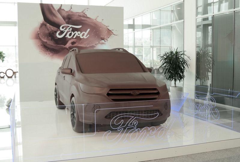 Otomobilport.com.tr.Ford.Kuga.Heykel.cikolata.4