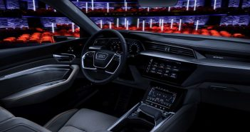 Araba sineması değil arabada sinema
